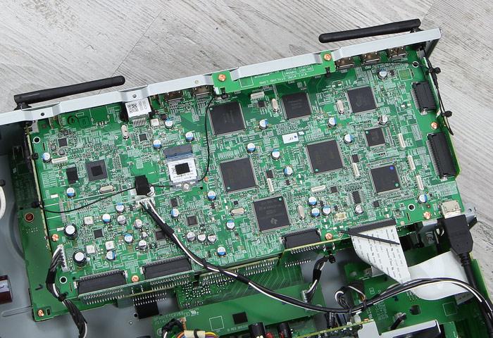 Pioneer-SC-LX901-Innenleben1