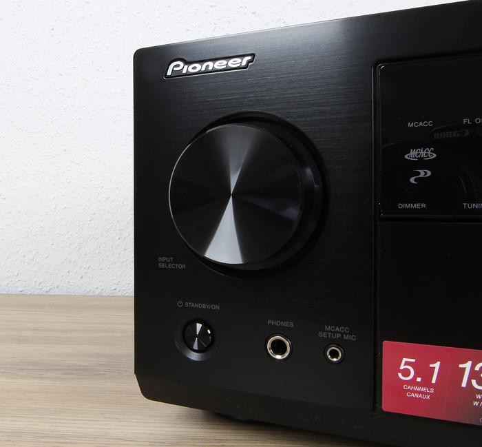 Pioneer-VSX-832-Bedienelemente-Front2