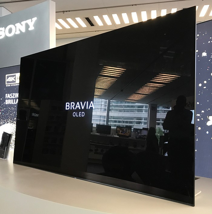 xxl test sony highend ultra hd oled tv bravia a1 der neue ma stab bei der bildqualit t. Black Bedroom Furniture Sets. Home Design Ideas