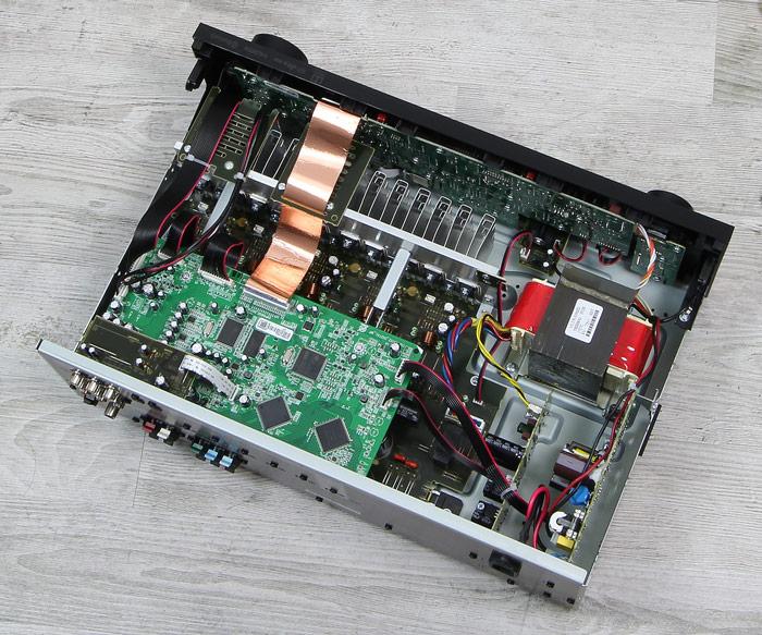 Denon-AVR-X540BT-Innenleben-Gesamt