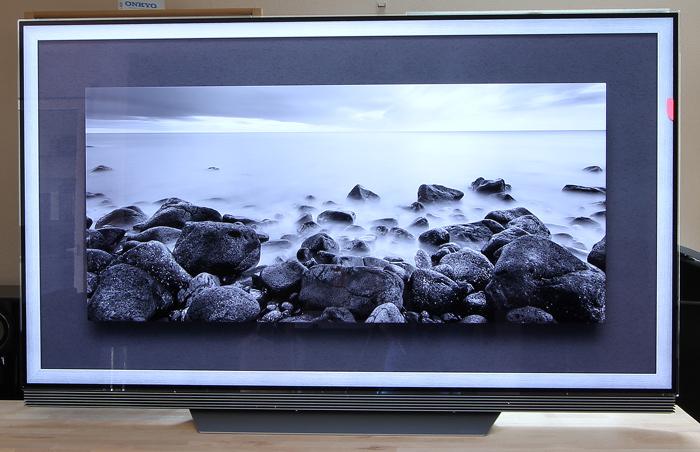 LG-OLED-TV-E7V-Front-Seitlich1