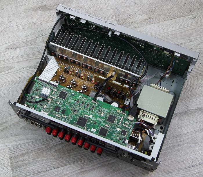Pioneer-VSX-LX302-Innenleben-Gesamt
