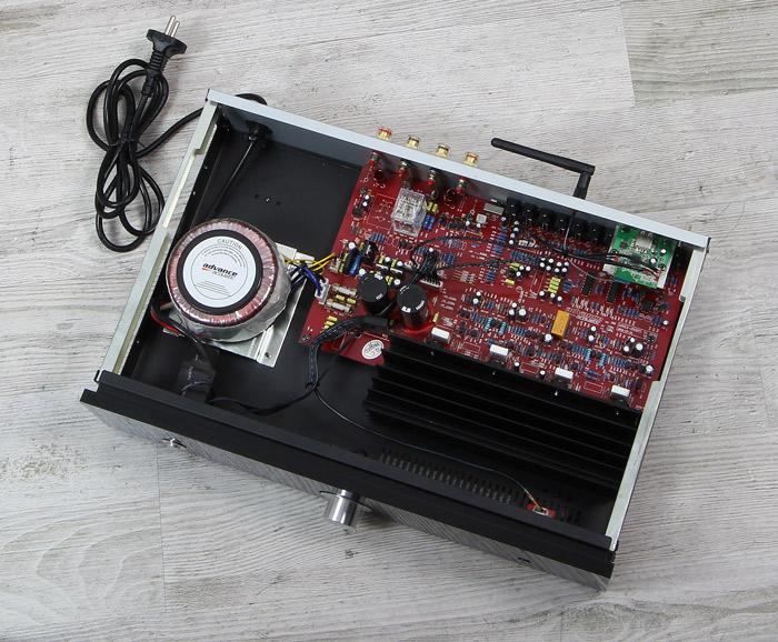 Advance-Acoustic-X-i50BT-Innenleben-Gesamt