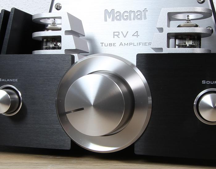 Magnat-RV-4-Bedienelemente-Front3