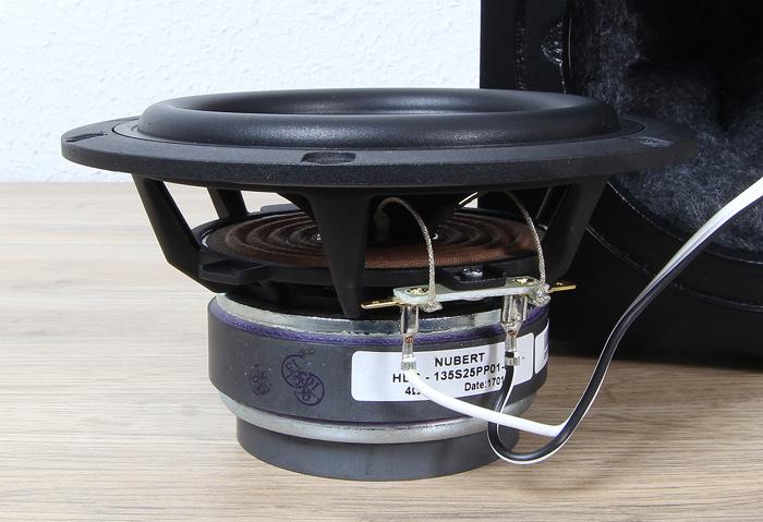 Nubert-nuBox-313-Tieftoener-ausgebaut