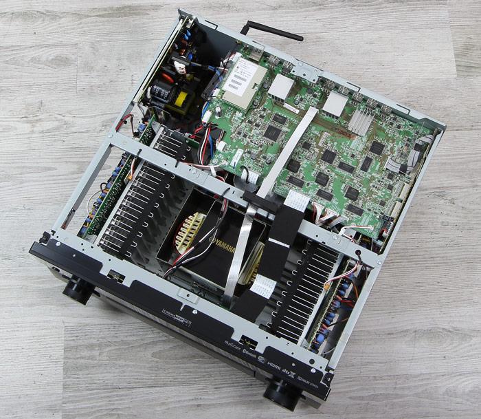 Yamaha-RX-A3070-Innenleben-Gesamt