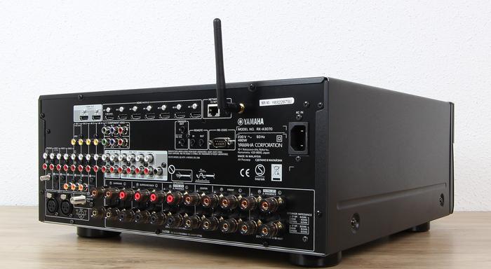Yamaha-RX-A3070-Rueckseite-Seitlich