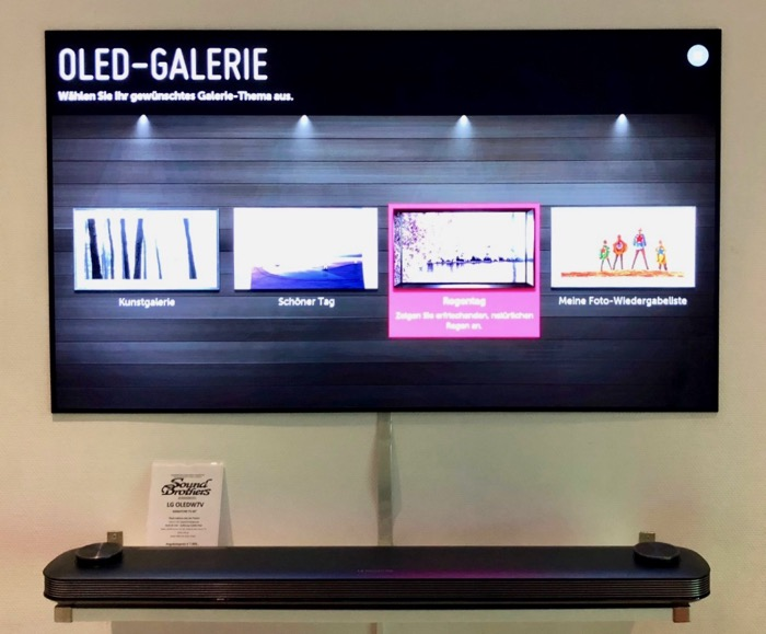 xxl preview lg signature oled tv w in 65 und in 77 zoll plus lg up970 ultra hd blu ray player. Black Bedroom Furniture Sets. Home Design Ideas