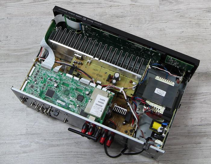 Yamaha-RX-V483-Innenleben-Gesamt