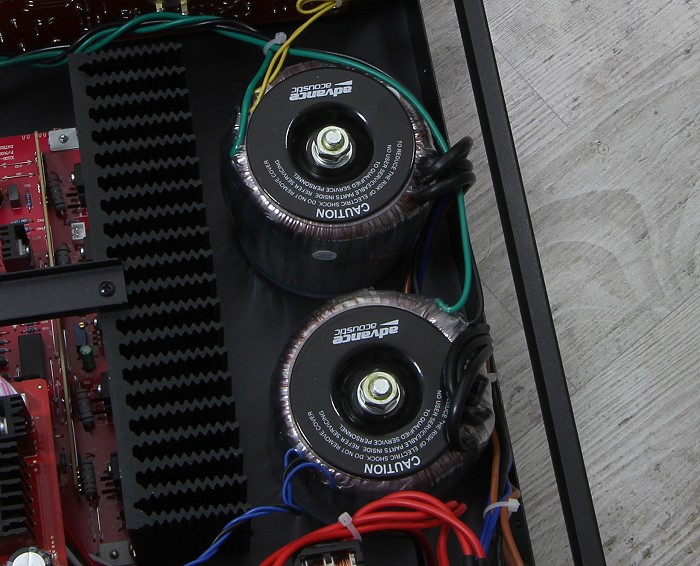 Advance Acoustic X-i125 Innenleben2