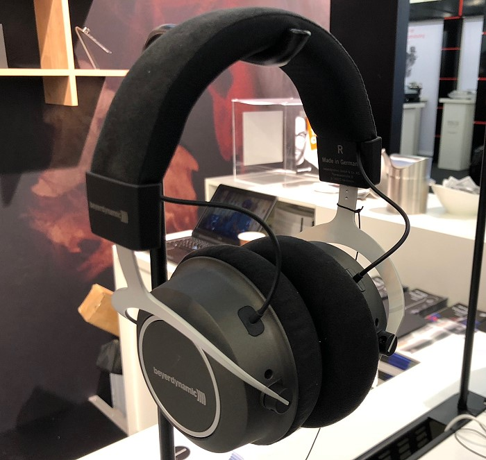 beyerdynamic_high_end_2018_amiron_wireless