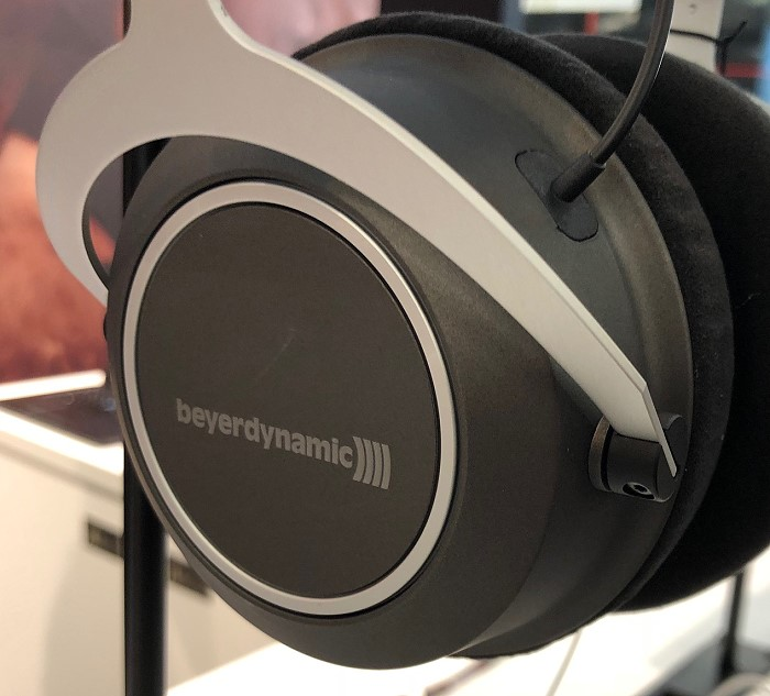 beyerdynamic_high_end_2018_amiron_wireless_seite
