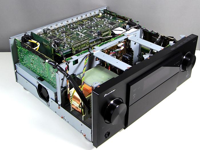 Pioneer SC-LX87 Innenleben Gesamt1
