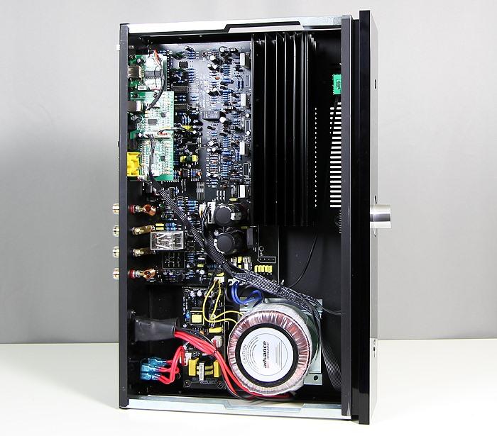 Advance Acoustic X-i60 Innenleben Gesamt2