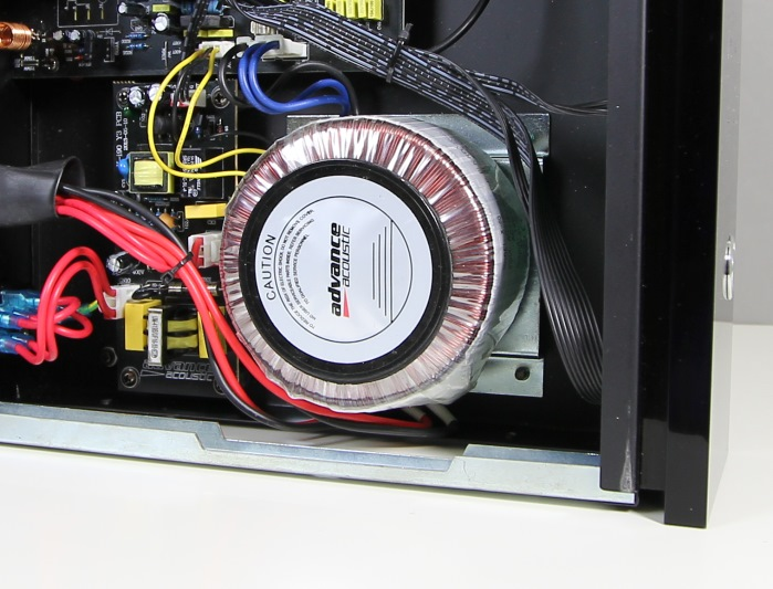 Advance Acoustic X-i60 Innenleben1