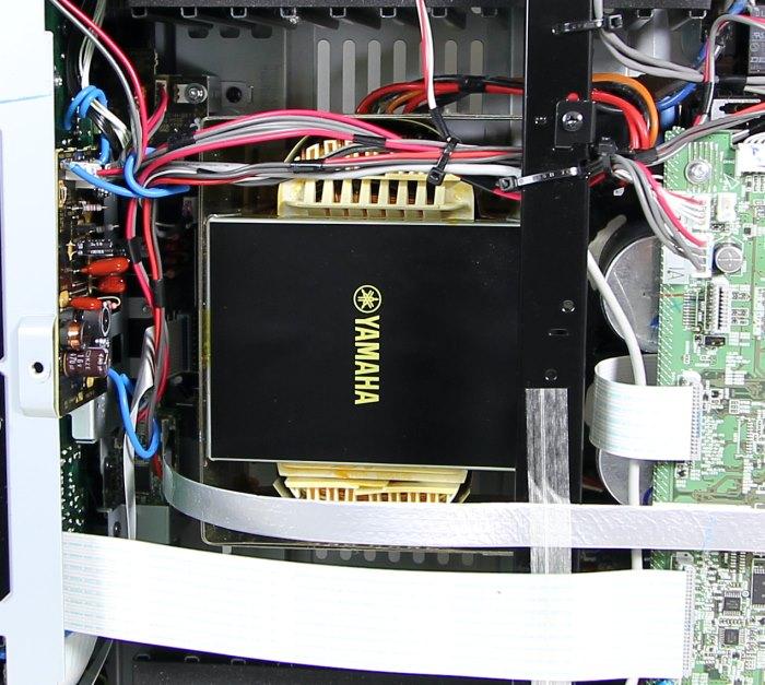 Yamaha RX-A3030 Innenleben1