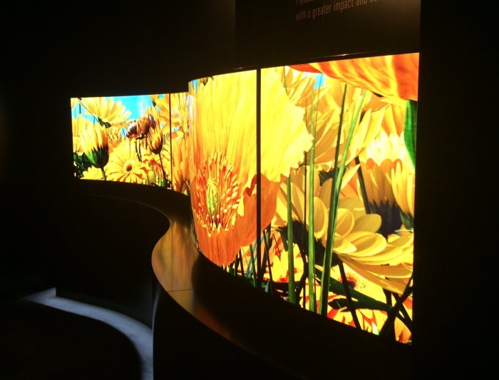 Panasonic Techology Curved 4k OLED Impressionen3