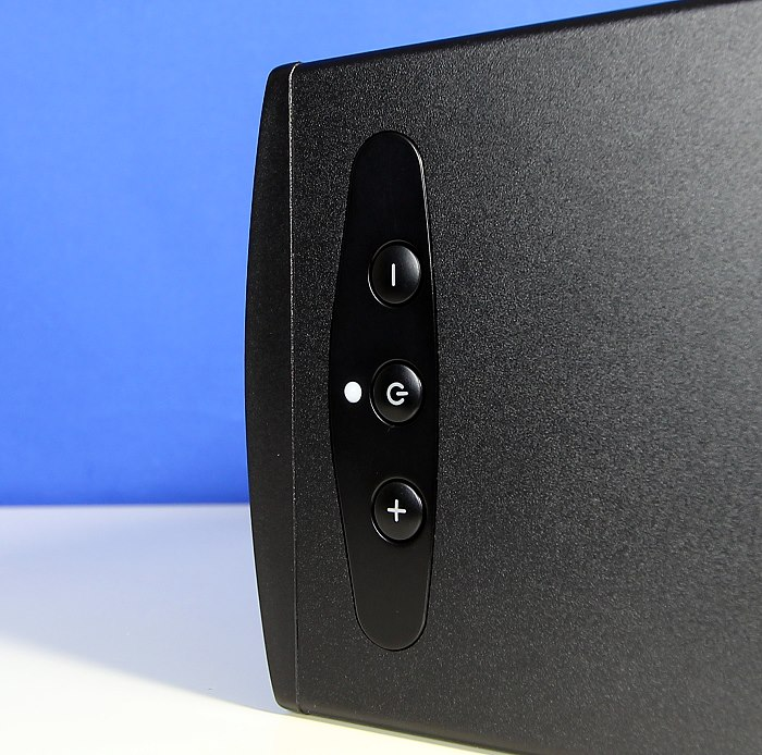 Q Acoustics Q-BT3 Bedienelemente Oberseite
