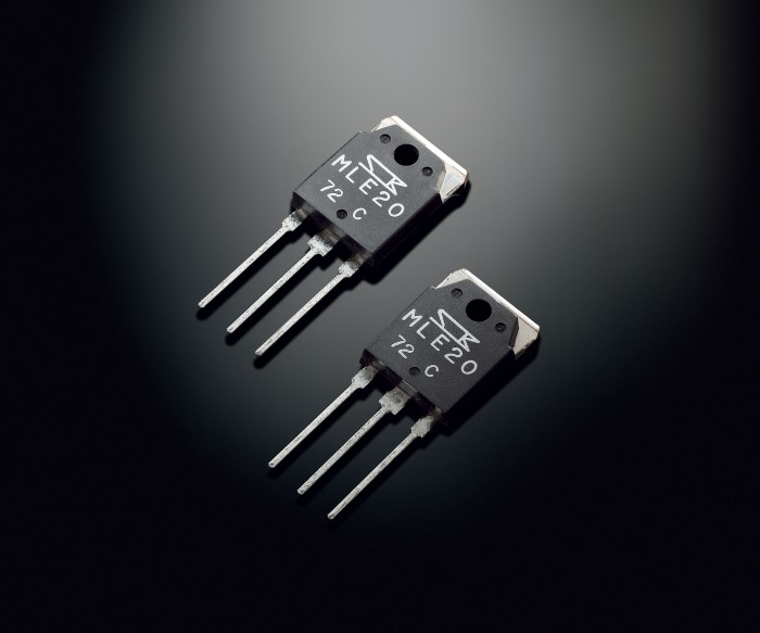 Yamaha_AS2100_Stereo_Amplifier_MOSFETs