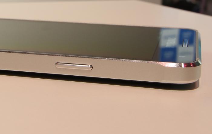 Samsung Galaxy Alpha Bedienelemente Seitlich2