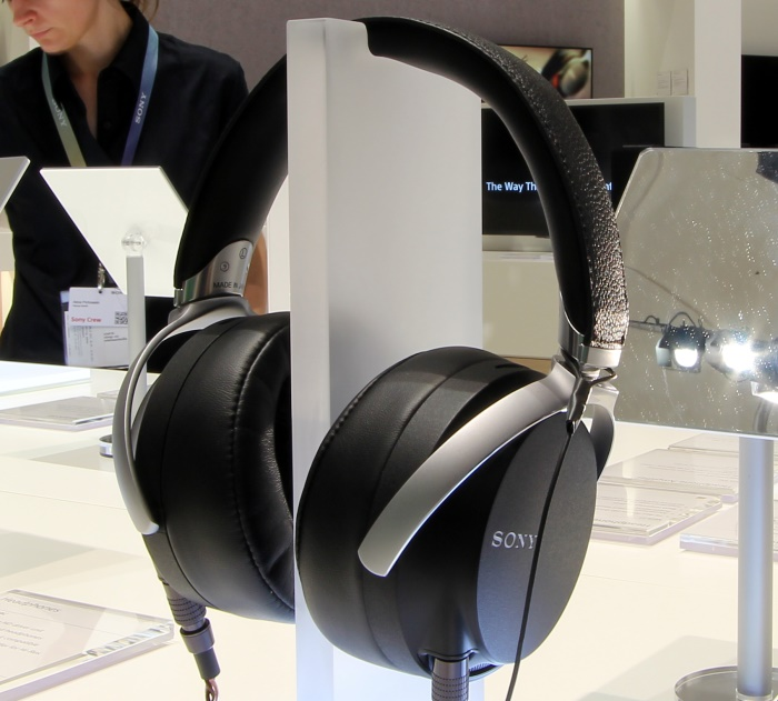 Sony MDR-27 Front Seitlich1