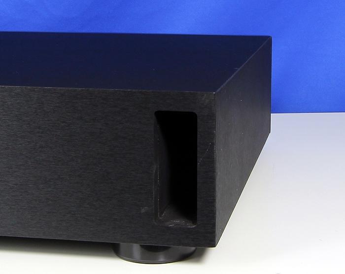 Magnat Sounddeck 600 Bassreflexoeffnung