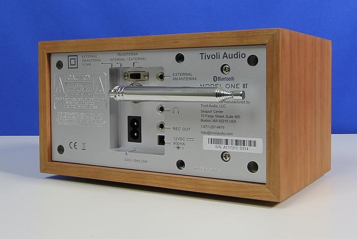 Tivoli Model One BT Rueckseite Seitlich