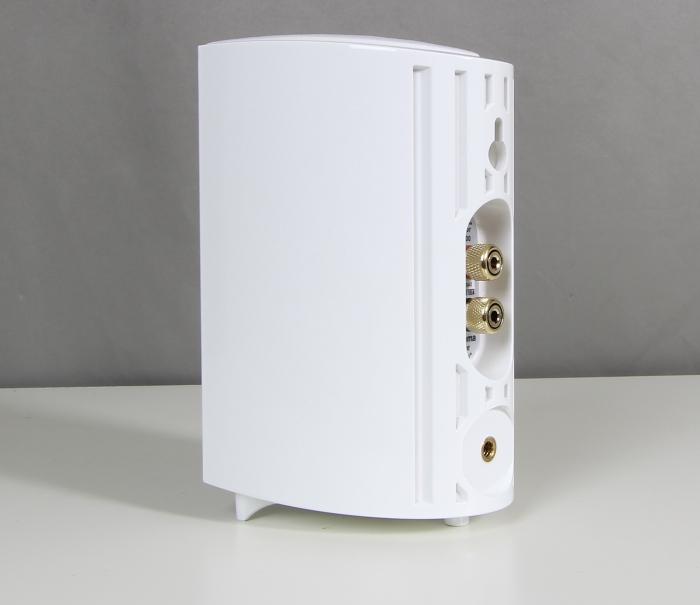 Definitive ProCinema 600 Speaker Rueckseite Seitlich2