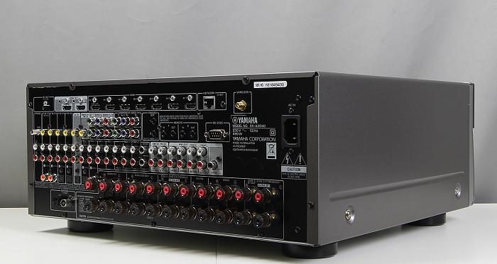 Yamaha RX-A3040 Rueckseite Seitlich