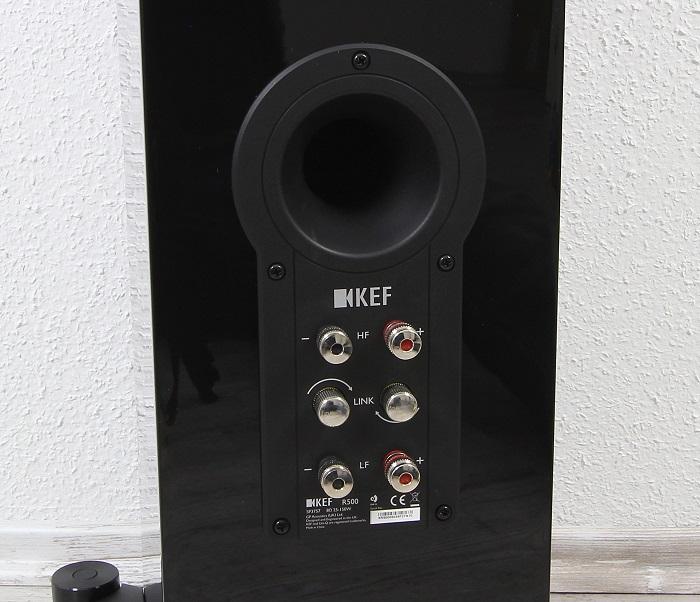 KEF R500 Anschluesse Bassreflexrohr
