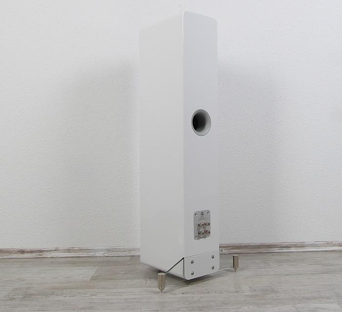Q Acoustics Concept 40 Rueckseite Seitlich