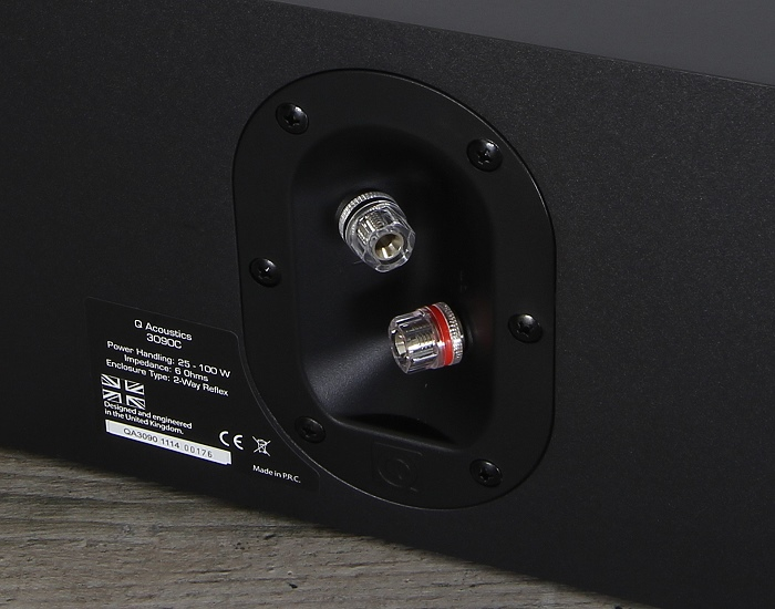 Q-Acoustics 3000 Serie 3090C Anschluesse Rueckseite