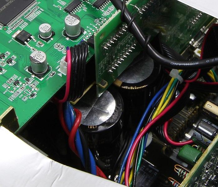 Denon AVR-X3200W Innenleben3