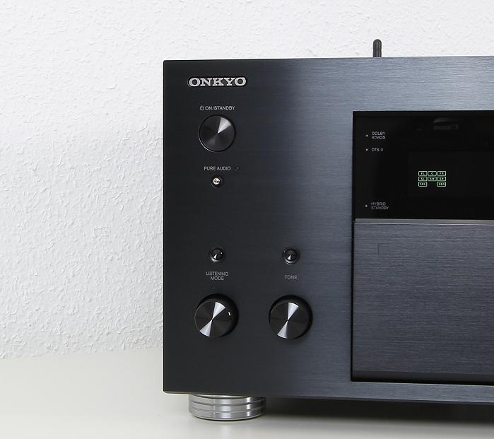 Onkyo TX-RZ900 Bedienelemente Front2