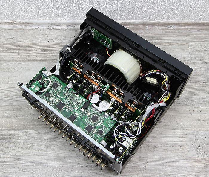 Onkyo TX-RZ900 Innenleben Gesamt