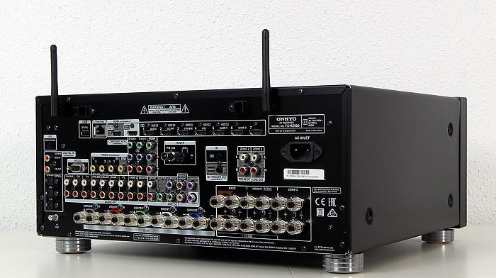 Onkyo TX-RZ900 Rueckseite Seitlich