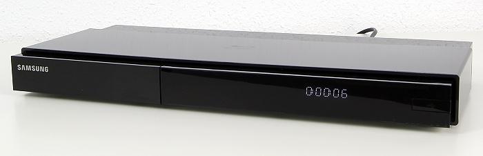 Samsung BD-J7500 Front Seitlich1