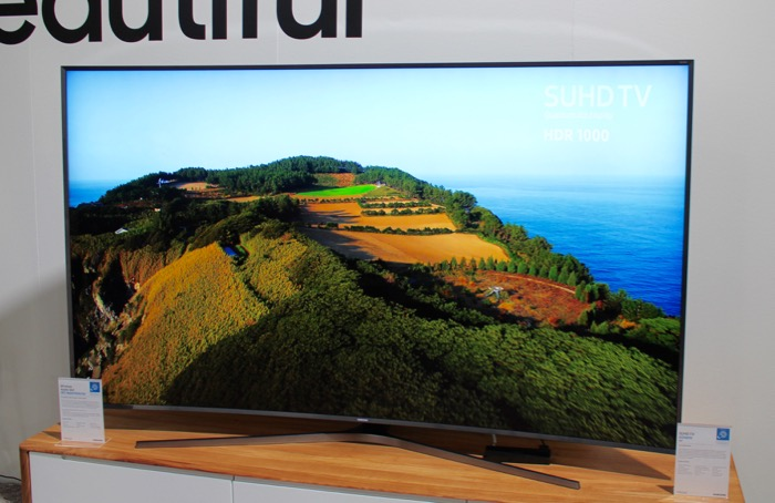 Samsung_KS9890_front1
