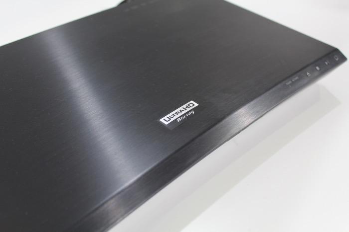 Samsung_UBD_K8500_logo_oberflaeche