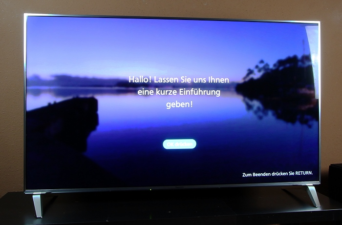 Panasonic TX-65DXW784 Front Seitlich1