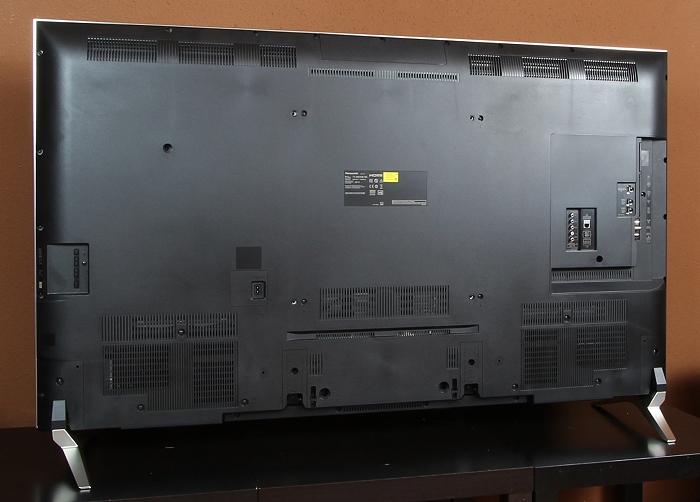 Panasonic TX-65DXW784 Rueckseite Seitlich1