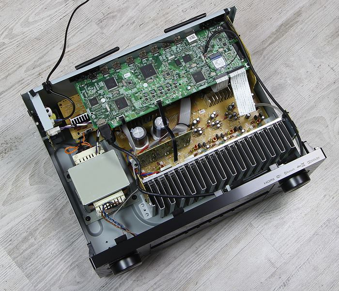 Pioneer VSX-1131 Innenleben Gesamt