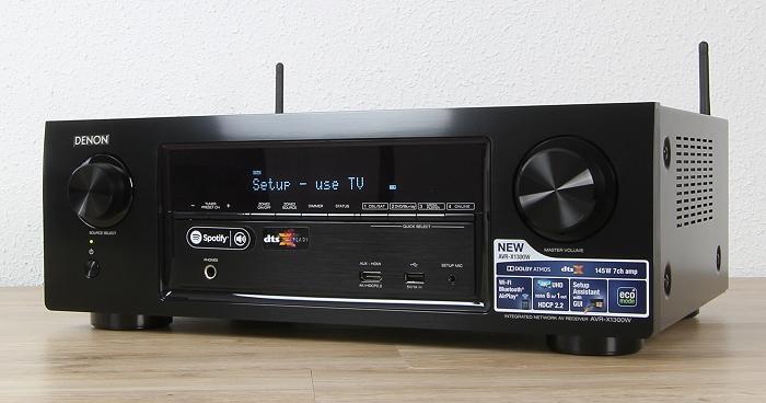 Denon AVR-X1300W Front Seitlich1