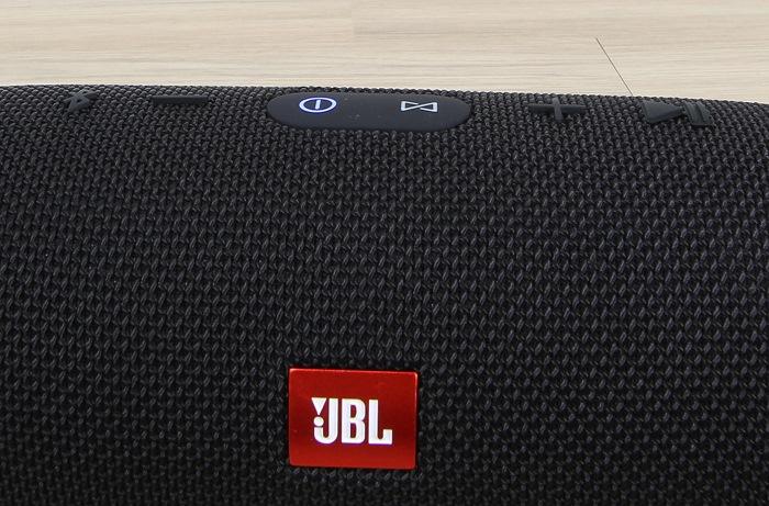 JBL Charge 3 Bedienelemente Oberseite1
