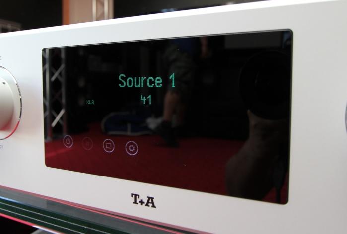 T+A PA3000HV Display