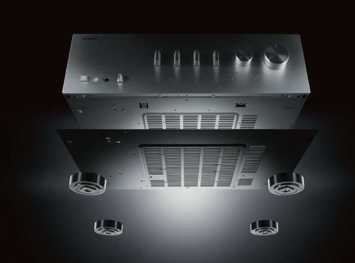 Yamaha A-S801_doppelter_Boden