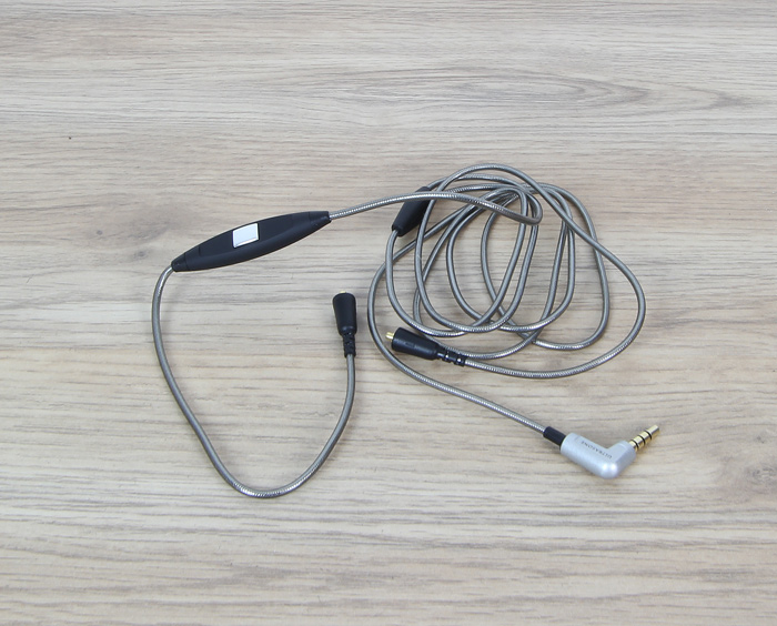 Ultrasone-Edition-M+-Black-Pearl-1