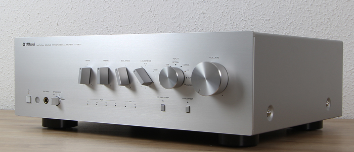 Yamaha-A-S801-Front-Seitlich3