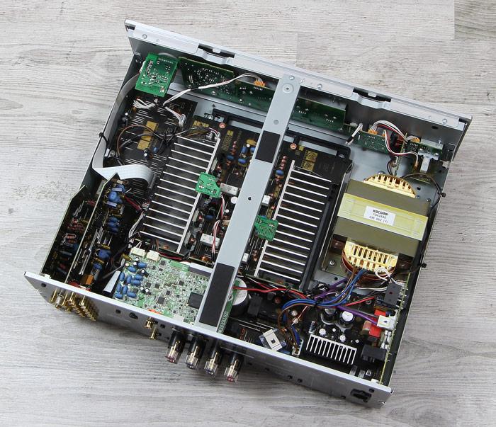Yamaha-A-S801-Innenleben-Gesamt