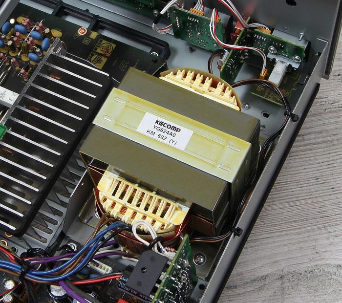 Yamaha-A-S801-Innenleben1